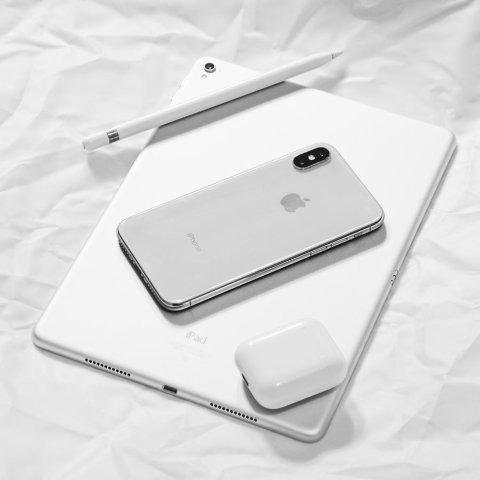 Airpods补货 iPhone XS 256GB 直降£370Amazon苹果产品 近期好价汇总  iPhoneXR/XS/Max全线大降价