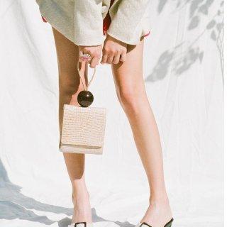 新晋法式风+独家7.5折+直邮中国By Far 美包精选热卖   时装周宠儿、封面同款手提包仅$384
