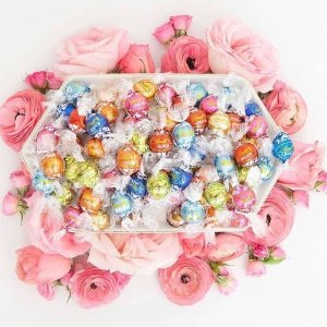 $30Lindt Create Your Own LINDOR Truffles Tote 100-pc
