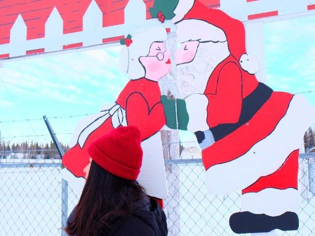 这个冬天去阿拉斯加看极光和见圣诞老...