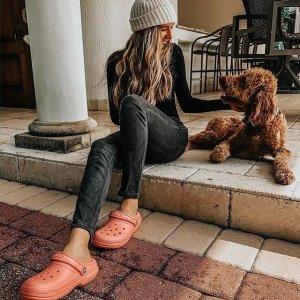 低至4折Crocs 精选舒适鞋履热卖 折扣区上新