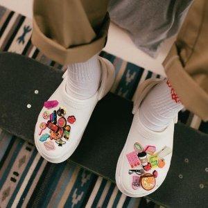 5折起 £15收史努比联名款Crocs官网 清仓大促开启 全球风靡的洞洞鞋 你还没有吗
