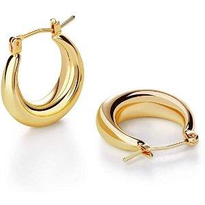 时尚金色耳环
