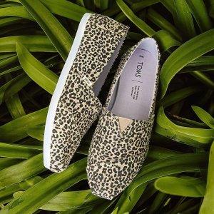 7.5折 $73收时髦墨镜最后一天:Toms 正价特卖  凉鞋、墨镜新上架  渔夫鞋花色更丰富