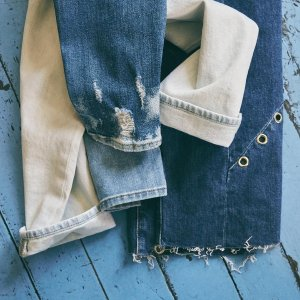 Extra 40% offJ brand、7 For All Mankind and more jeans brand @Saks Off 5th