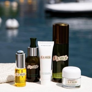 Receive free Brightening Maskwith any purchase @La Mer