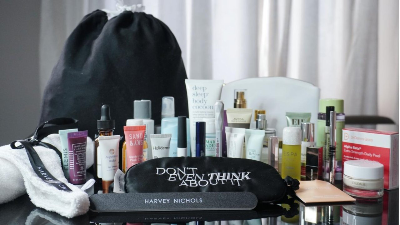 深度揭秘 | Harvey Nichols 价值£550的37件美妆大礼包到底有什么