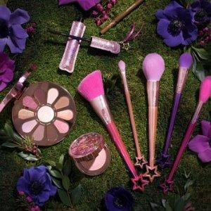低至3.5折Tarte 美妆护肤大促 收温柔花瓣盘、火烈鸟化妆刷套装