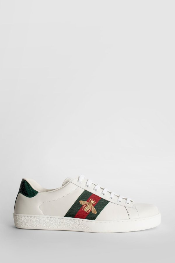 蜜蜂小白鞋