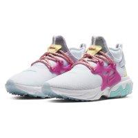 Nike 运动鞋