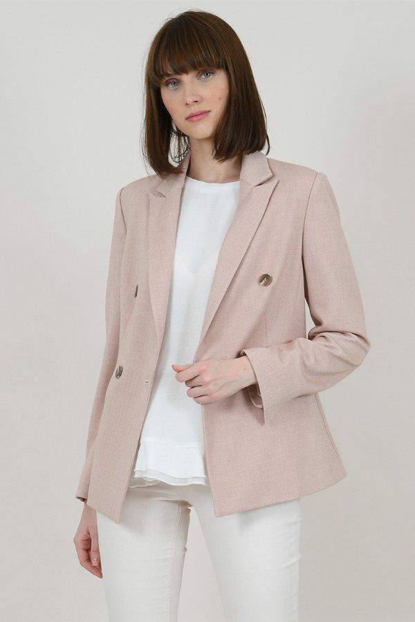 淡粉色西装