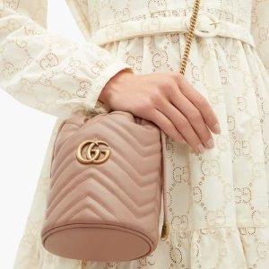 Gucci水桶包£587 已包含进口税NET-A-PORTER UK 英国站大牌上新,巴黎世家老爹鞋£541 ,脏鹅£291
