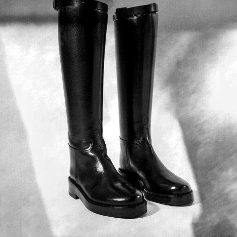 低至2折 Ann踝靴$656The Outnet 鞋履专场 收SW、Valentino、Ann等人气品牌