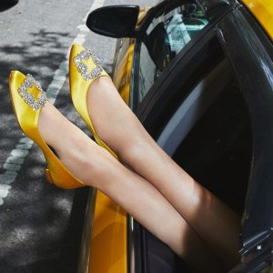 低至4折 MB钻扣$647即将截止:Rue La La 大牌专场 RV方扣靴$923,麦昆新款小白鞋$305