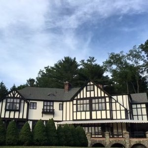 I Stayed in Theodore Roosevelt Suite!Review: Bischwind Inn, Bear Creek, PA