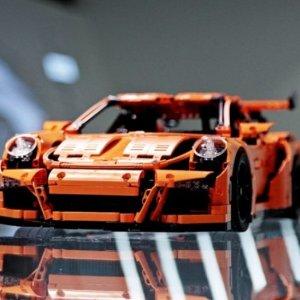 $323.73(原价$480.99) + 包邮LEGO 保时捷911 GT RS3 超帅来袭