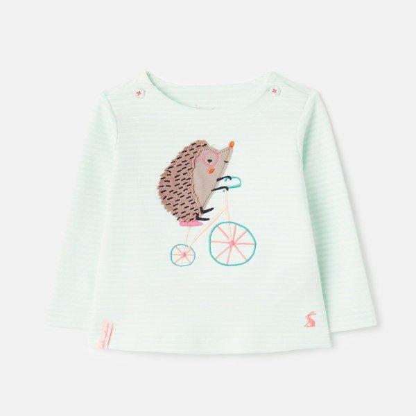 婴儿贴布绣上衣