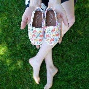 满$100立减$20最后一天:Toms 魔术贴学步鞋,地表最强抓地力