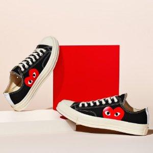 封面白色$180 (定价$200)CDG Play x Converse 合作款帆布鞋热抢 收可爱波点系列