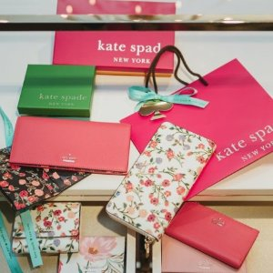 Last Day: Up To 75% OffWallrts & Wirstlets Sale @ kate spade