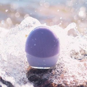 $147(Was $226)Dealmoon Exclusive: Foreo LUNA 3 Sonic Facial Cleanser Sale