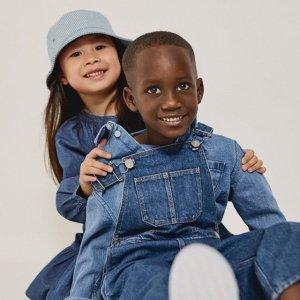 低至5折 €24收小卫衣Arket 早春童装大促来袭 简约明亮的设计感打造纯真童趣