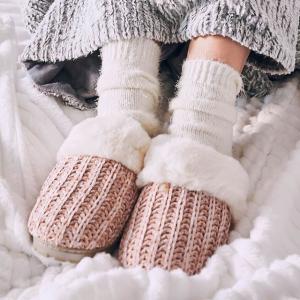 额外4折DSW 冬季保暖袜、保暖裤专场 瑜伽裤$6、居家鞋$10