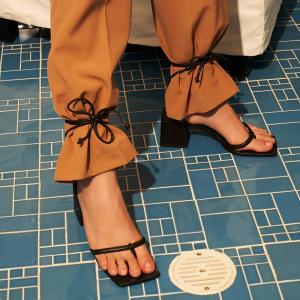 5折起 小钻扣凉鞋仅$39Charles & Keith 设计感舒适凉鞋 白菜价捡漏