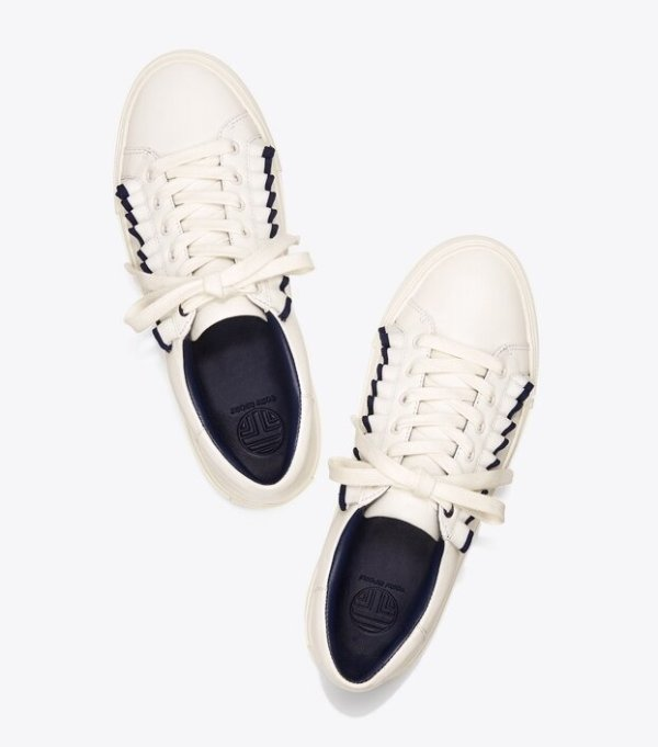花边小白鞋