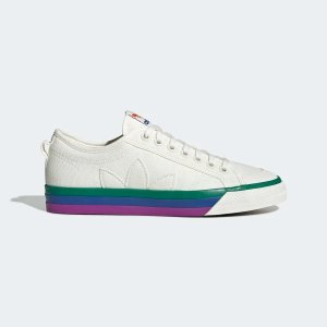 AdidasNizza Pride 运动鞋