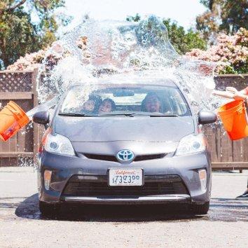 美国洗车攻略,自己动手DIY洗车指南让你的爱车内外光洁如新!