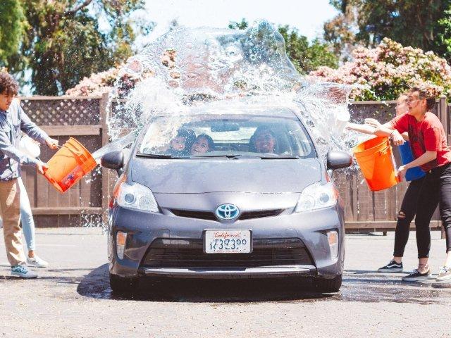 DIY洗车指南,让你的爱车内外光洁如新