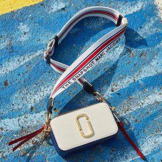 免邮中国+被税获得£10无门槛代金券Marc Jacobs 精选美包7.5折,¥1000+收万能相机包,入股不亏