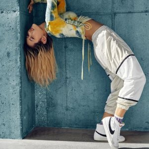 5折+额外85折 €17收经典小标T恤Nike 大促专场 爆款Air Max、复古Blazer、运动服饰等你捡漏