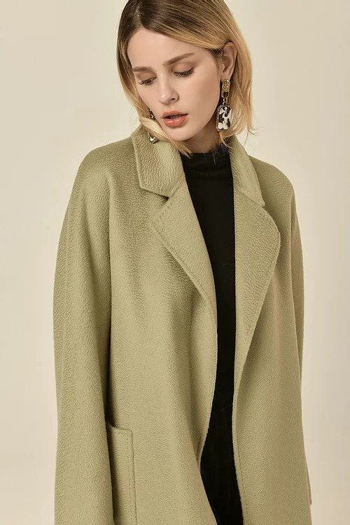 牛油果绿水波纹羊毛大衣