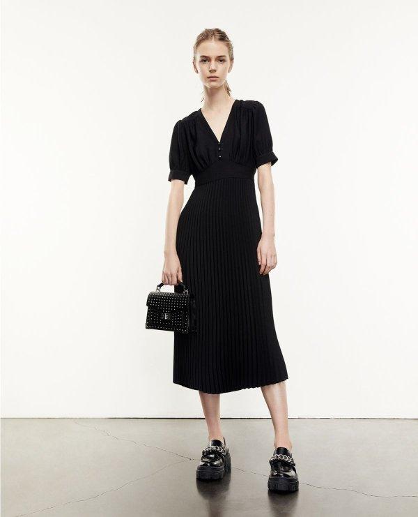 黑色V领蕾丝连衣裙