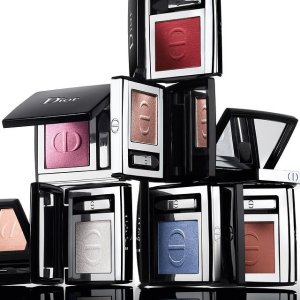 定价优势 €26收消肿神色眼影惊喜上新:Dior 迪奥单色眼影 绝绝子 新款樱花唇膏€36