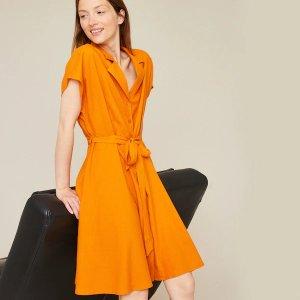 系带橙色连衣裙
