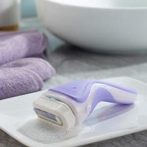 $9.5(原价$12.49)Schick 舒适 紫色除毛刀 椰奶杏仁油皂头 含2替换皂头 保护肌肤