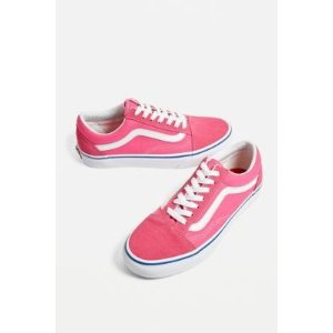 Urban OutfittersVans滑板鞋
