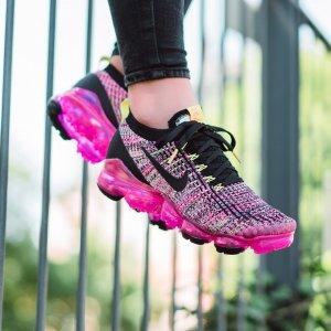 NikeWomen's Nike Air VaporMax Flyknit 3 Running Shoes