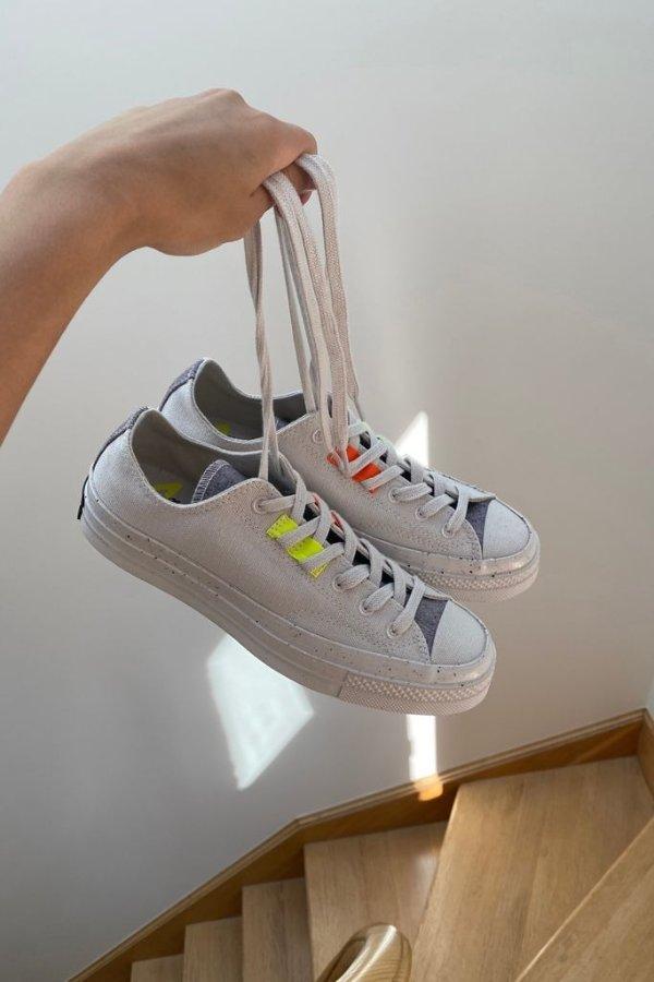 低帮运动鞋