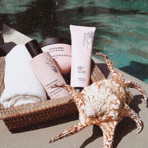 Free Fanny packCrabtree & Evelyn Skincare and Body Care Sale