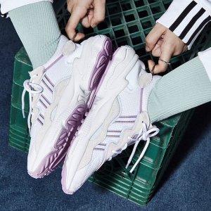 AdidasOZWEEGO 女款运动鞋