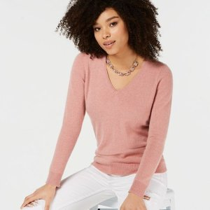 Up to 50% Off+Extra 20% Off Select Women's Apparel Sale @ macys.com
