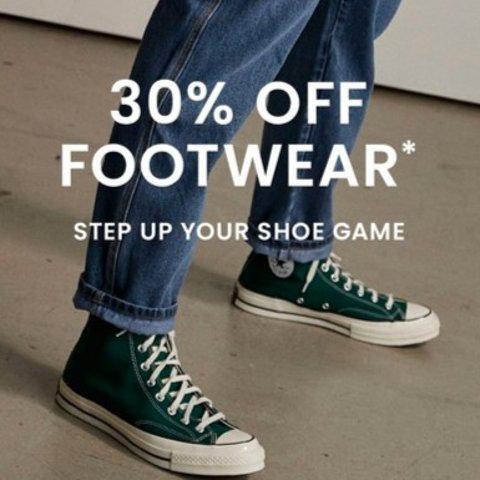 低至5折+一律叠7折The Iconic 美鞋闪促 Timberland、匡威 收Valentino铆钉平替