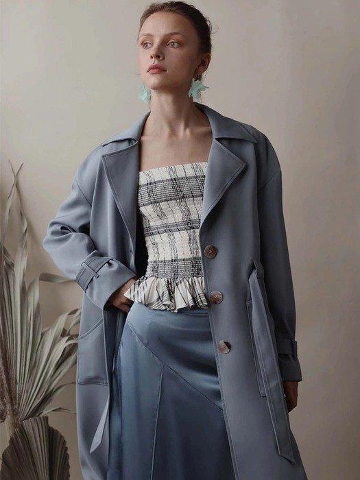 蓝色风衣外套