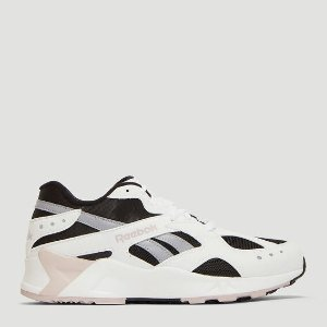 Reebok运动鞋