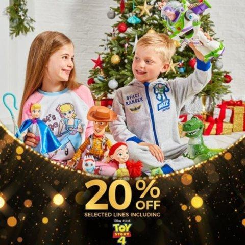 低至8折 £16收草莓熊宝宝Disney官网 黑五大促 精选周边、玩具、服饰萌到上天
