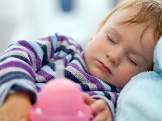 带小月龄宝宝以及安全座椅童车坐飞机...